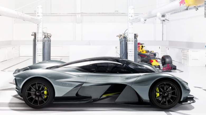 ليست بوغاتي ولا لامبورغيني...هل هذه أسرع سيارة في العالم؟