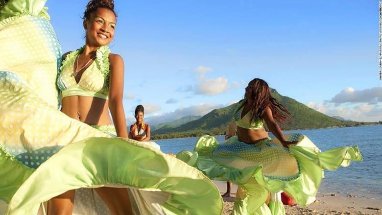 """موسيقى """"الحرية المطلقة"""" تُسكر سكان هذه الجزيرة"""