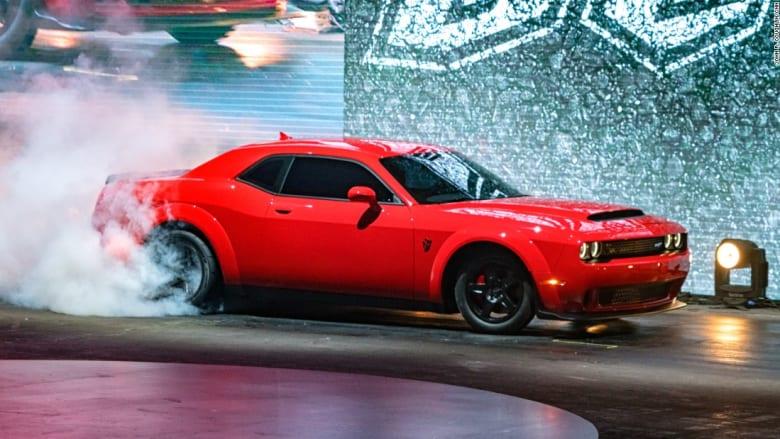 """""""شيطان دودج"""" الجديد.. سيارة بمقعد واحد و840 حصاناً"""