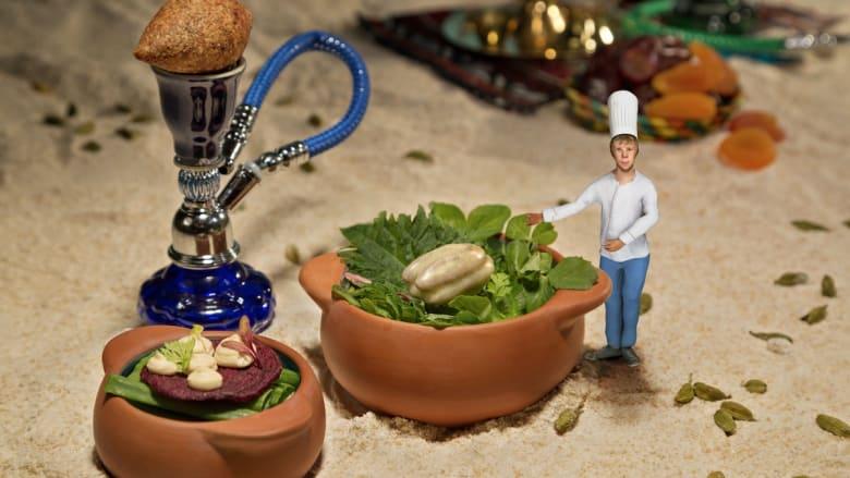 """هذا """"الشيف الصغير"""" بحجم الإصبع يطبخ لك الطعام داخل صحنك"""
