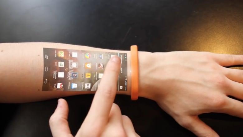 هل سنودّع شاشات الأجهزة الذكية بهذا السوار مستقبلاً؟