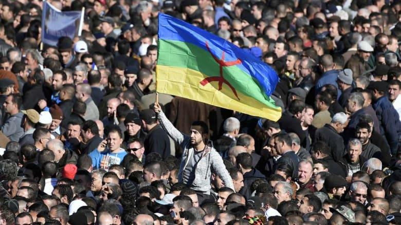 الجزائر تحتفل بذكرى الربيع الأمازيغي.. ومسيرات تطالب بتنمية أكبر لمنطقة القبائل