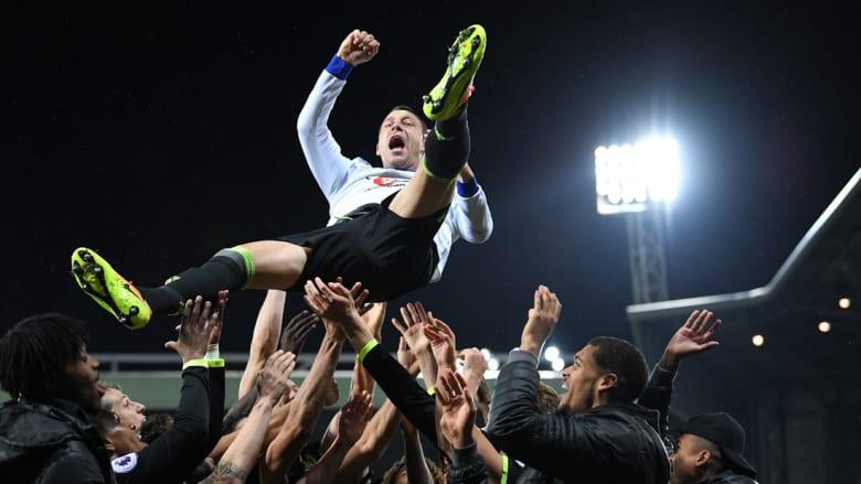 هكذا احتفل لاعبو وجماهير تشيلسي بلقب الدوري السادس في تاريخهم