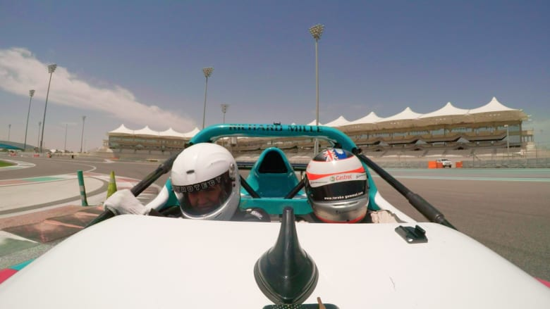 """هل تريد القيادة كسائقي فورمولا وان؟ """"مرسى ياس"""" يحقق لك الحلم"""