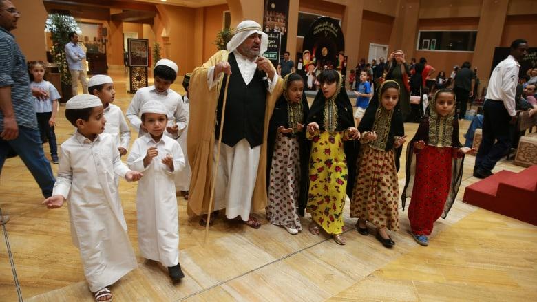 الإمارات والسعودية والبحرين: توجيهات لمراعاة الأوضاع الإنسانية للأسر المشتركة مع قطر
