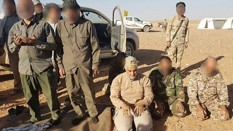نشر صور لقاسم سليماني يصلي على الحدود العراقية السورية
