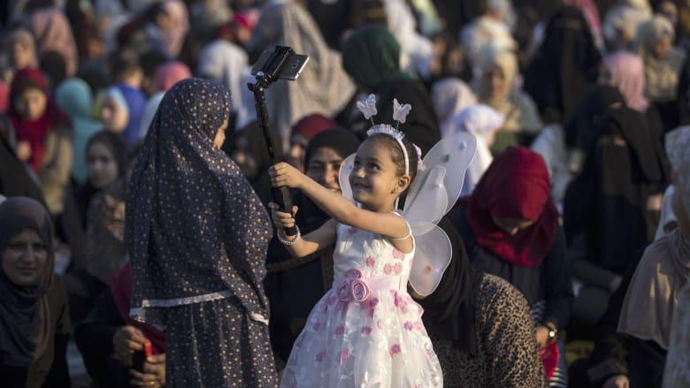 شاهد.. أجواء عيد الفطر حول العالم