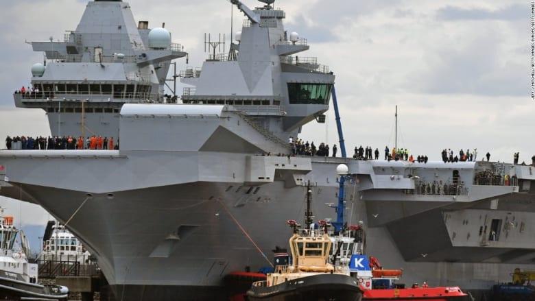 شاهد.. أكبر حاملة طائرات بريطانية تبدأ أولى تجاربها في عرض البحر
