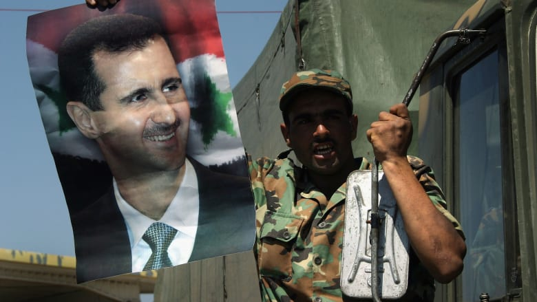 البيت الأبيض يرجح استعداد سوريا لشن هجوم كيماوي جديد ويهدد الأسد بدفع الثمن إن نفذه
