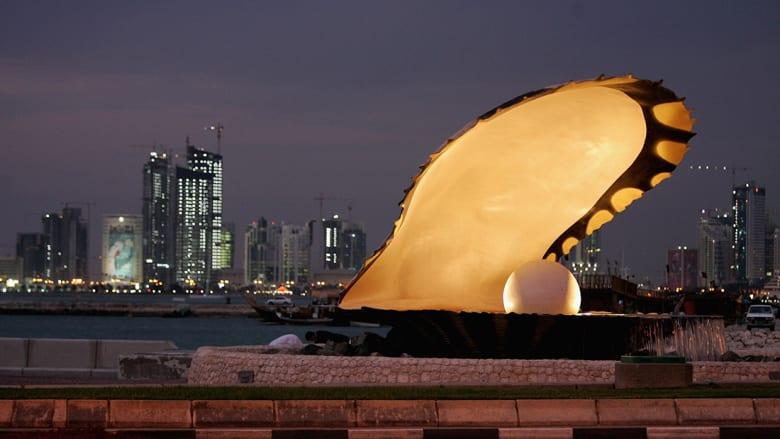 """قرقاش يعيد نشر مقال لمسؤول أمريكي سابق: """"لطالما عرفنا أن قطر مشكلة"""""""