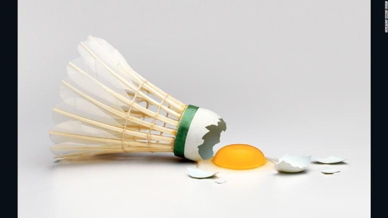 بيضة بقلب بيضة أخرى..ما السبب؟