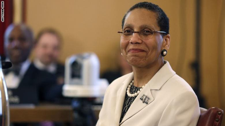 نتيجة التحقيق الطبي في وفاة أول قاضية أمريكية مسلمة من أصول أفريقية: انتحار