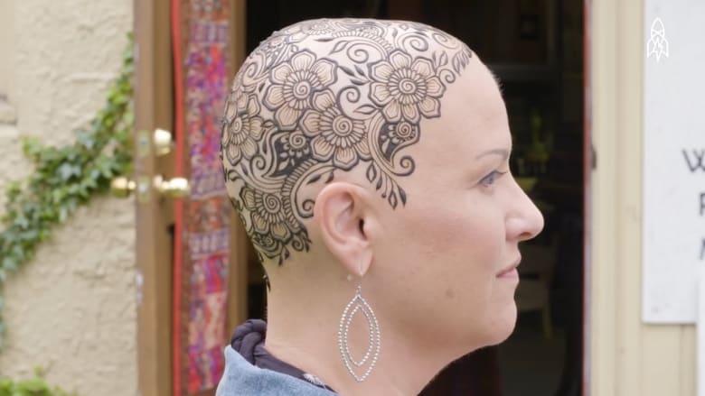 """""""تاج الحناء"""" يعتلي رؤوس مرضى السرطان"""