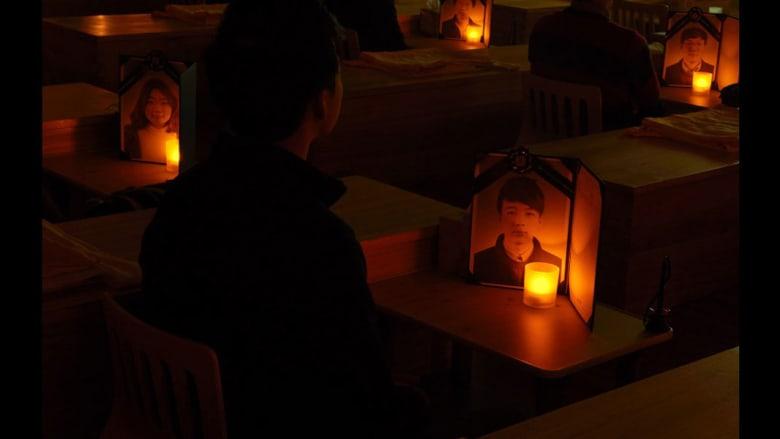 """تجربة """"الموت""""..مرضى اكتئاب يشاركون في مراسم """"جنازتهم"""" وهم أحياء"""