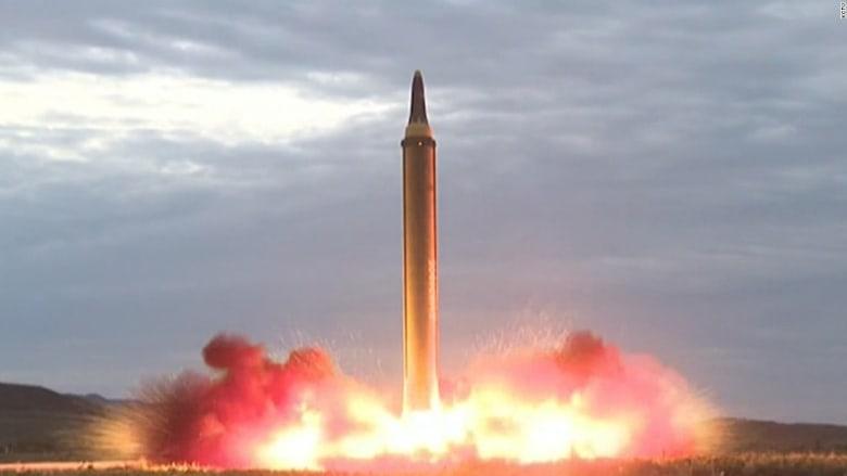 شاهد.. لحظة إطلاق كوريا الشمالية صاروخ بالستي عبر الأجواء اليابانية