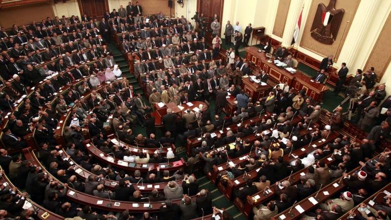 """الحكومة المصرية توافق على تعديل قانون الجنسية: يمكن سحبها ممن """"يمس النظام العام"""""""