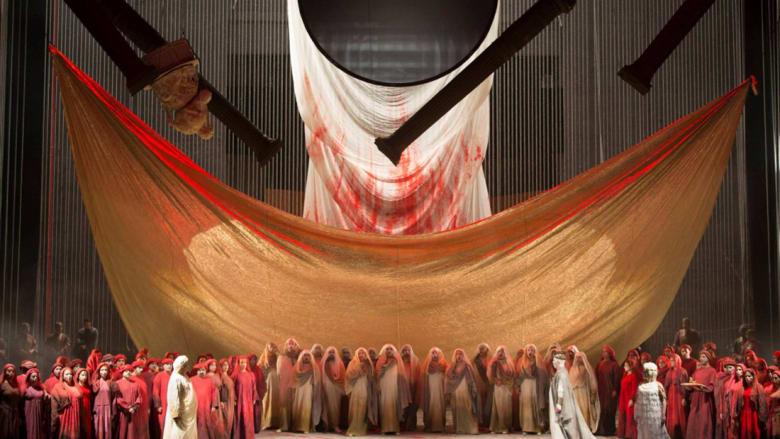 """عرض """"لا بيرل"""" في دبي.. جرأة تتحدى الموت"""