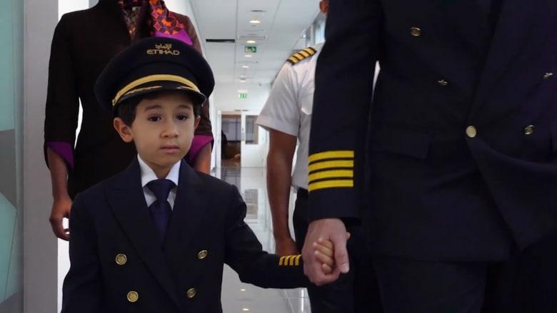 """تعرّف إلى أصغر """"ربان"""" طائرة في العالم..مصري مغربي وعمره 6 سنوات"""
