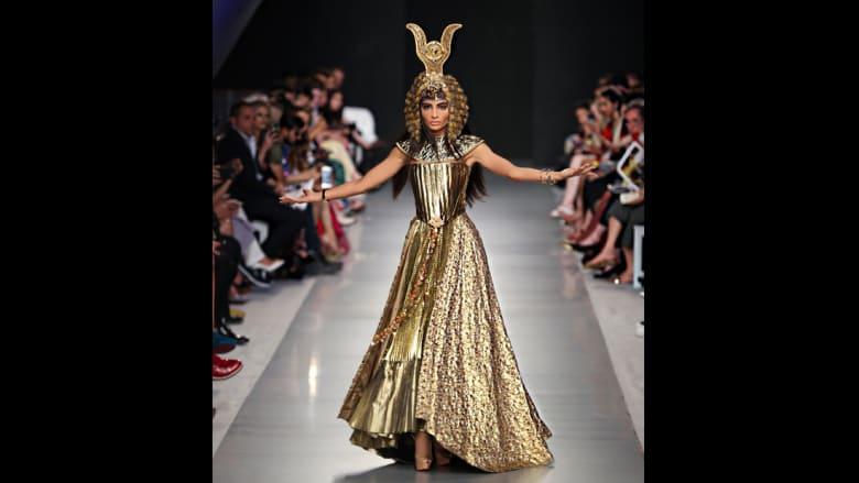 """أول عارضة أزياء إماراتية """"تتمرد"""" على طريقتها الخاصة!"""