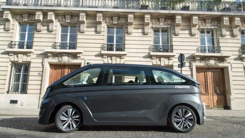 """""""نافيا"""" تكشف عن أول سيارة أجرة ذاتية القيادة"""