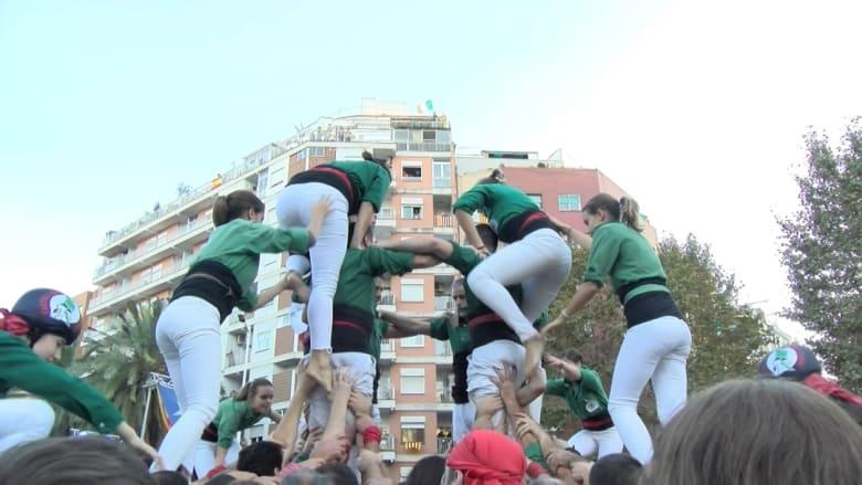 آلاف المتظاهرين يطالبون بإطلاق سراح قادة كتالونيا المعتقلين