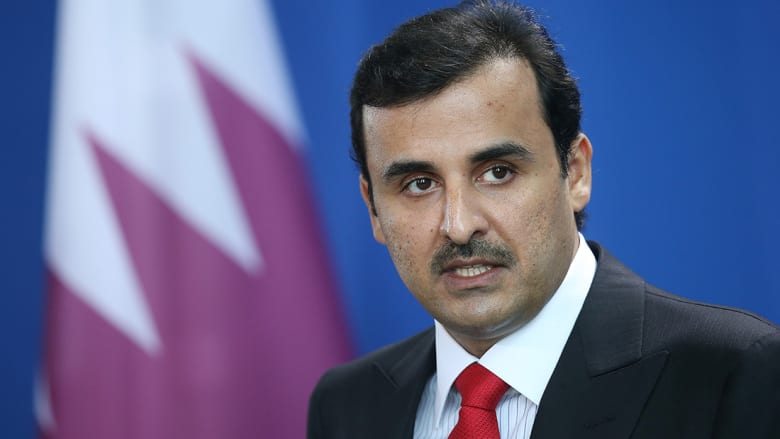أمير قطر يعزي السيسي ببرقية.. وتغريدة قديمة لوزير خارجية البحرين تثير قطريين