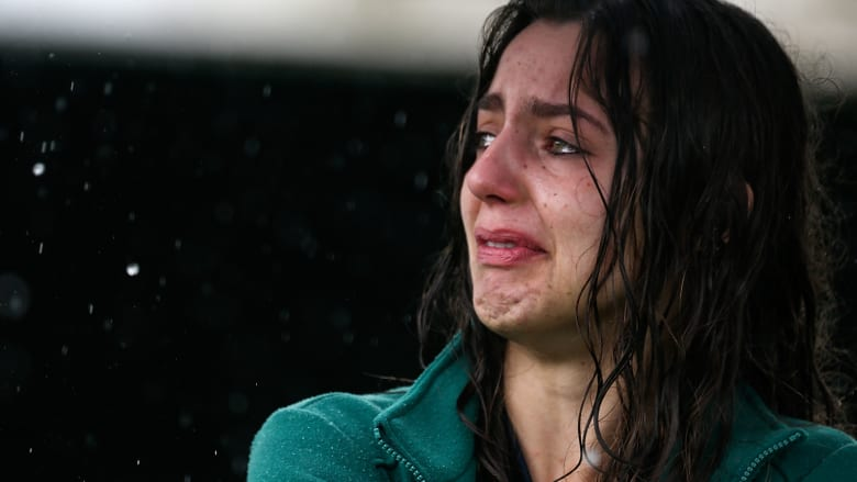 في الذكرى السنوية للحادثة المروعة.. أبرز اللقطات العاطفية بعد سقوط طائرة شابكوينسي