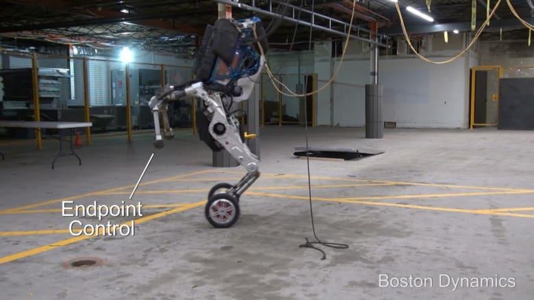 شاهد.. روبوت بعجلات يقفز كالحصان