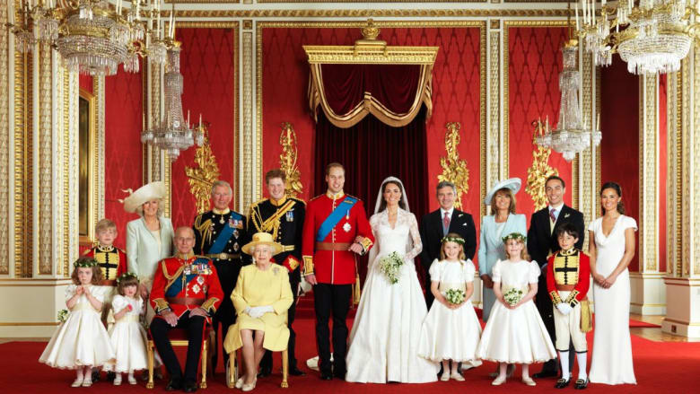 """نظرة """"حصرية"""" داخل غرف قصر باكنغهام في بريطانيا"""