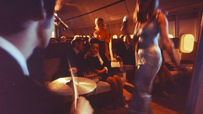 """""""ديسكو"""" على متن طائرة! ماذا يحصل حقاً؟"""