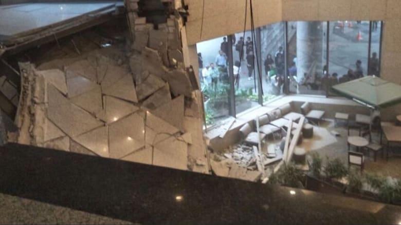 شاهد آثار انهيار طابق بمبنى بورصة جاكرتا