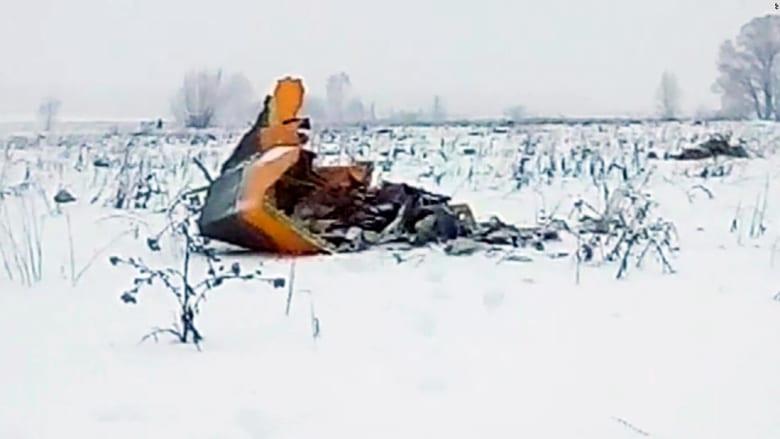 200 قطعة من الأشلاء البشرية.. ما هي قصة تحطم طائرة الركاب الروسية؟