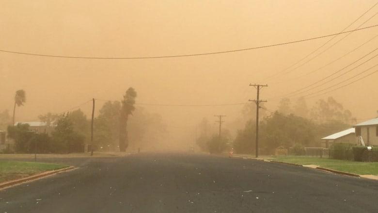 شاهد.. رياح بسرعة 96 كم/س تثير عاصفة رملية في استراليا