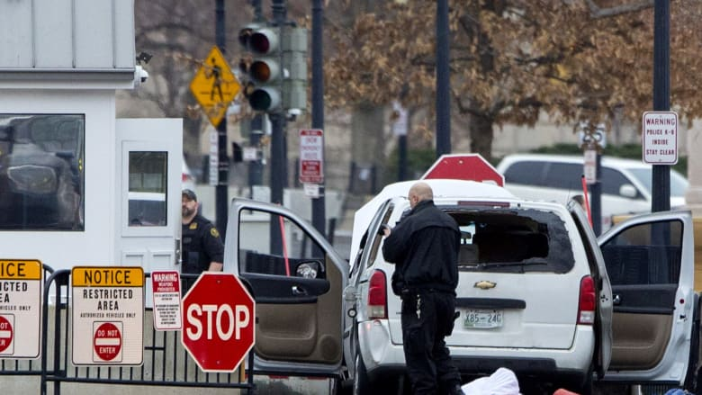 اعتقال إمرأة صدمت حاجزاً قرب البيت الأبيض