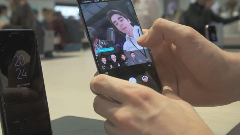 """بعد إطلاق """"سامسونغ S9"""".. من يفوز بلقب أفضل منتج للهواتف الذكية؟"""