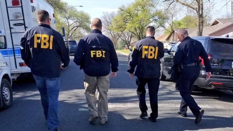 """مقتل اثنين وإصابة بليغة فيما يعتقد أنها """"جرائم كراهية"""" بتكساس"""