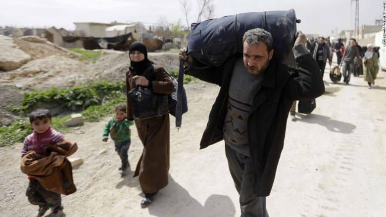 شاهد.. نزوح الآلاف من الغوطة الشرقية عبر حمورية