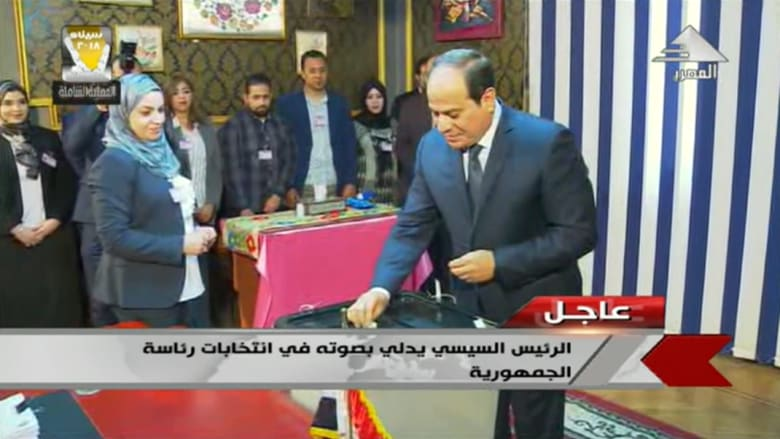 شاهد.. السيسي يدلي بصوته في الانتخابات الرئاسية المصرية