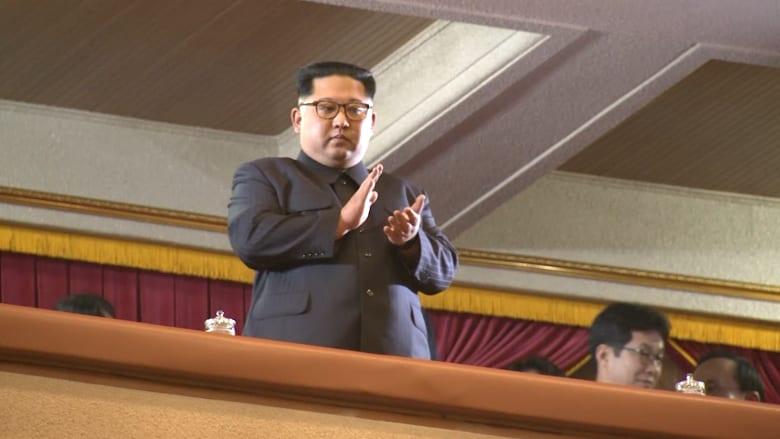 شاهد.. كيم جونغ أون بحفلة في بيونغ يانغ
