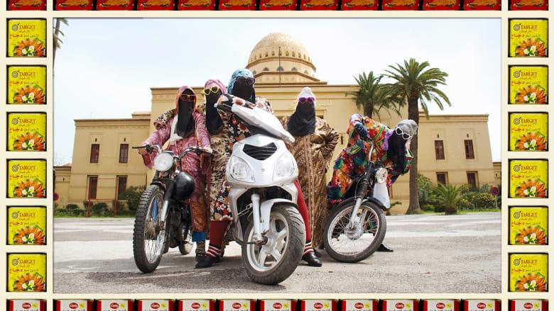 """هذه """"عصابة"""" النساء بدراجاتهن النارية في مراكش"""