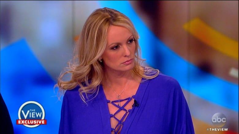 """ممثلة إباحية تدعي تعرضها للتهديد حتى """"لا تفضح"""" ترامب"""