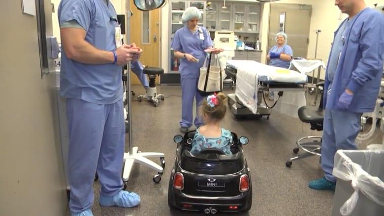 مستشفى تنقل الأطفال إلى غرفة العمليات بسيارات صغيرة!