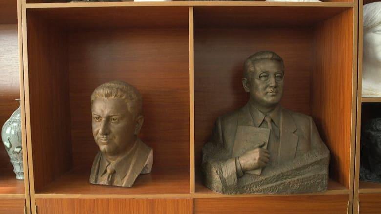 اكتشف هذه الشركة في كوريا الشمالية التي تصنع تماثيل قادة النظم الاشتراكية في العالم