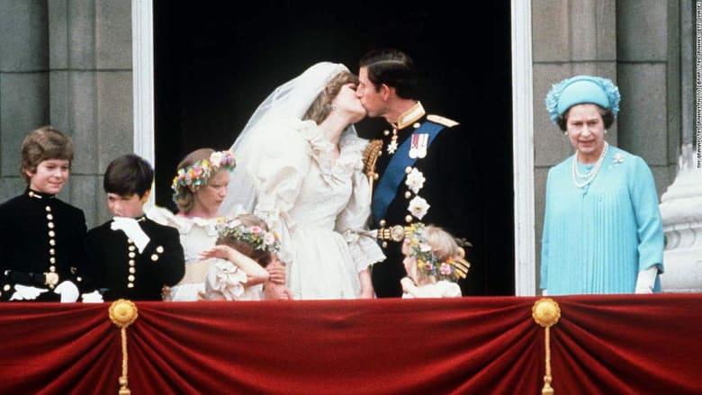 إليكم قواعد الملابس لضيوف حفلات الزفاف الملكية