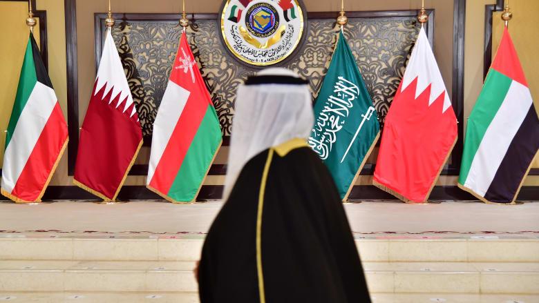 """عام على الأزمة الخليجية.. قطر تنشر """"تسلسل الأحداث"""".. ووزير خارجية البحرين: عام وشعوبنا بخير"""
