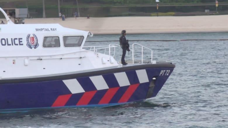 شاهد.. شرطة سنغافورة تعزز الأمن قبل لقاء تراكب وكيم