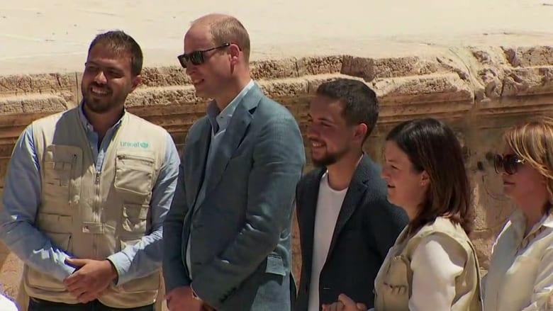 شاهد.. الأمير ويليام يزور المدينة الأثرية في جرش