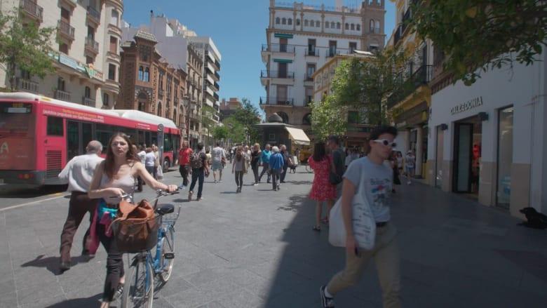 """جولة في شوارع مدينة """"حِمْص الإسبانية"""".. إشبيلية"""