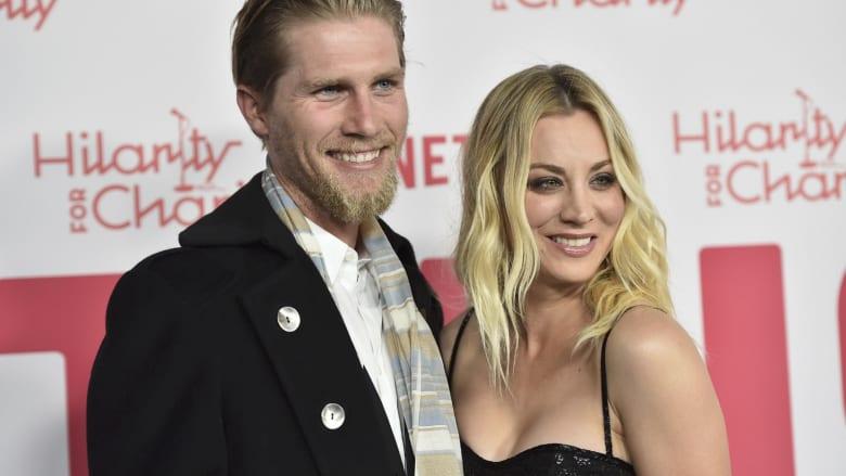 الخيول جمعتهما.. الممثلة الأمريكية كيلي كوكو تتزوج من فارس