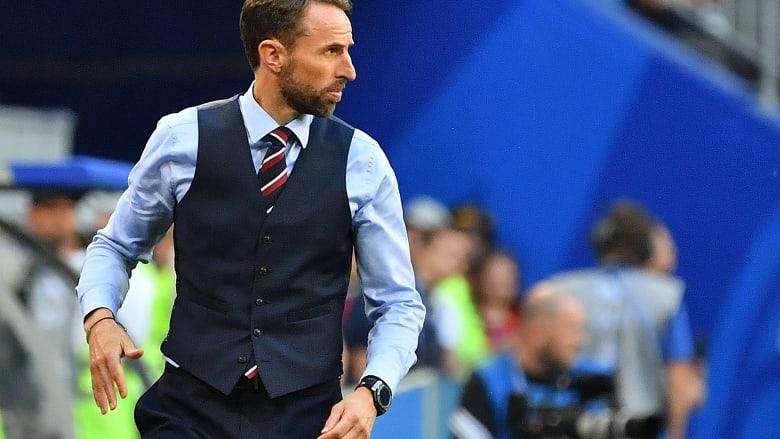 شاهد..  مدرّب إنجلترا يتسبب بارتفاع في مبيعات الصدريات